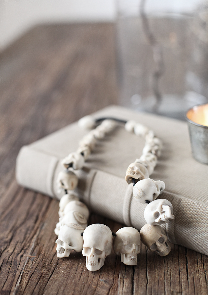 Necklace_skulls