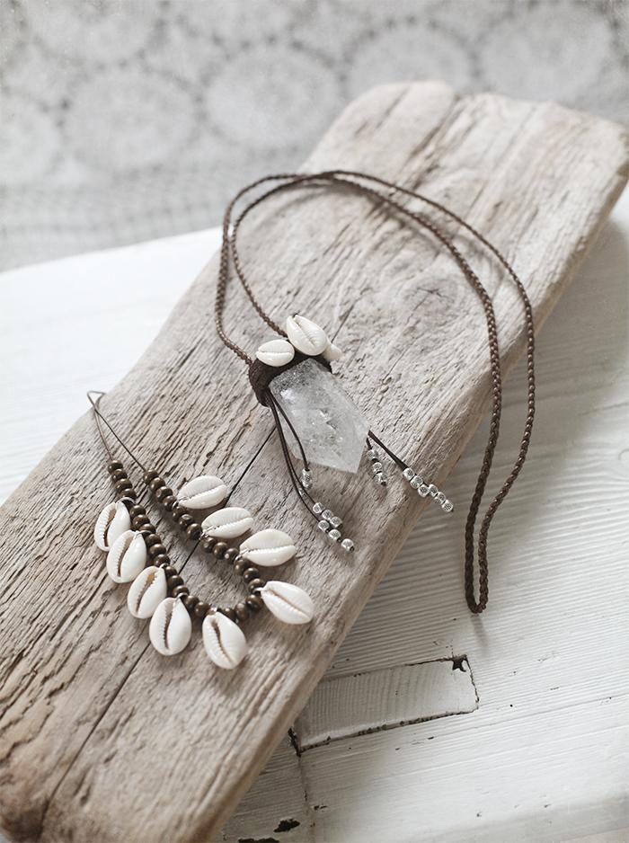shell, jewels
