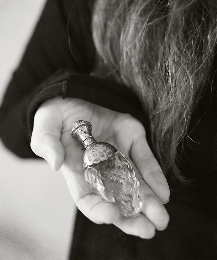 perfume_bottle_3
